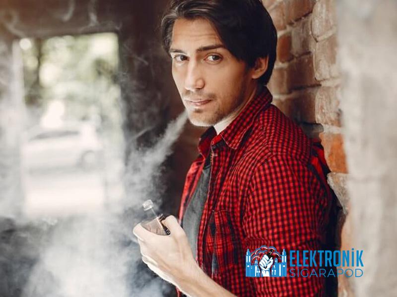 Elektronik Sigara İçicisi